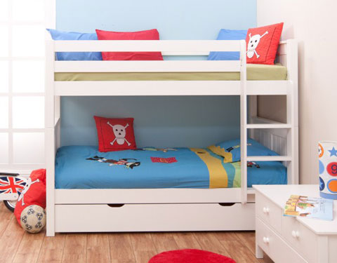 Bunks and beds in UK quality bunkbeds for kids from Stompa